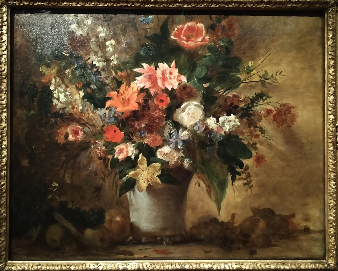 50Fleurs dans un vase et fruits