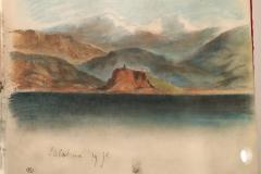 63La mer devant des chaînes de montagnes