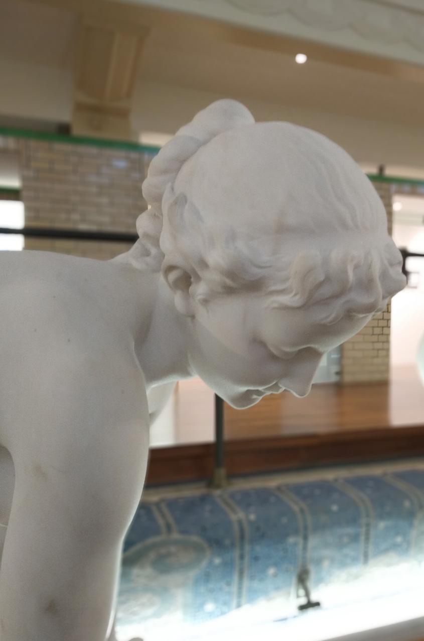 Jeune fille à la fontaine détail1