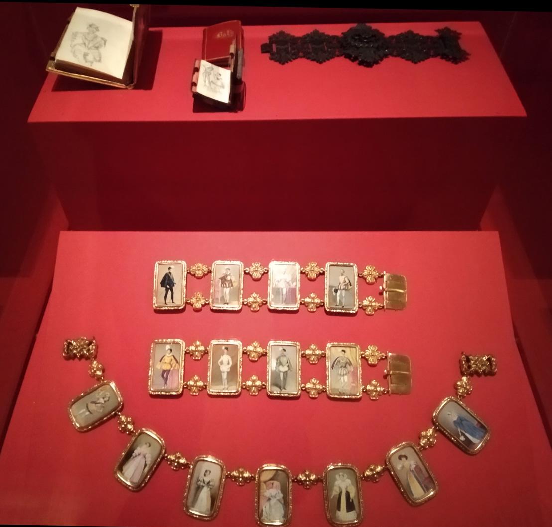 Carnets de bal et bracelets