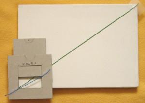 A partir du même angle droit, superposition du 1er cadrage choisi sur le support : les diagonales ne correspondent pas.